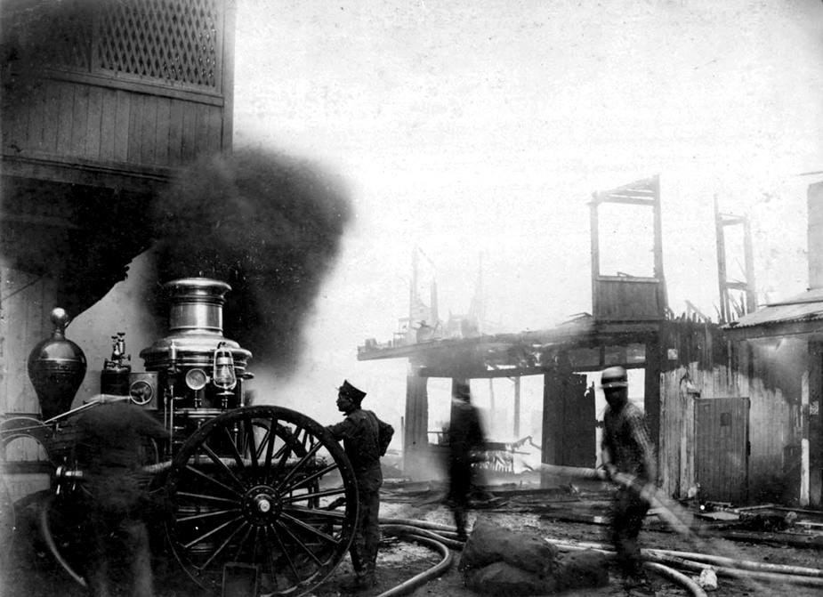 Fighting the fire in Chinatown, Jan. 1900