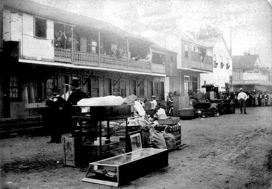 Belongings in the street, c. Dec. 1899 – Jan. 1900